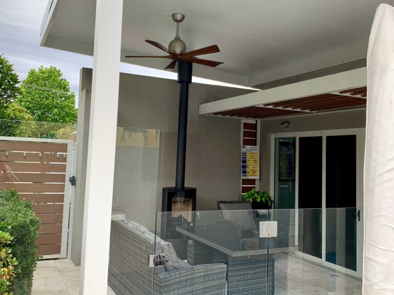 The All-Season Space - Ultimate Alfresco build of Patios, Decks / decking, Pergolas . Alfresco ideas for outdoor living spaces (incl. retractable roofs) servicing in Albury Wodonga, Wagga, Shepparton and surrounding areas in northern VIC